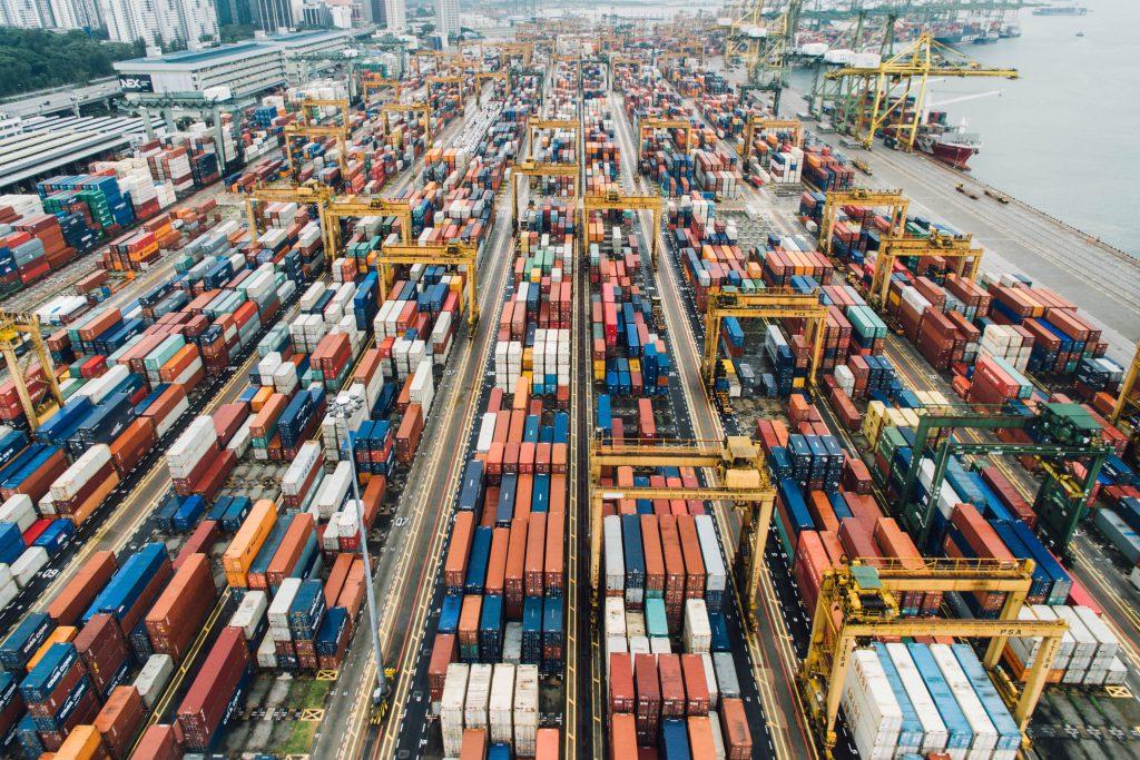 praca jako logistyk w transporcie